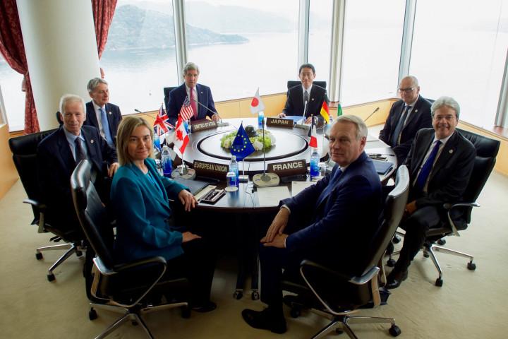 G7 walks backwards in Hiroshima