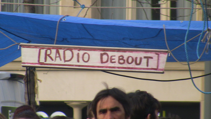 PARIS en direct «RADIO DEBOUT » sur la place  de la  République