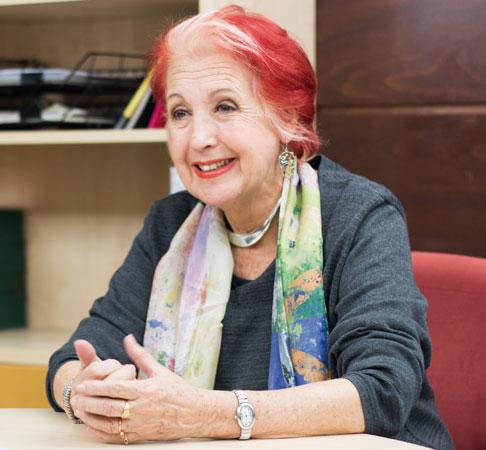"""""""Se habla de lo que impacta, pero no de lo que importa"""". Entrevista a Rosa Mª Calaf"""