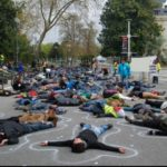 Action de désobéissance civile Non Violente pour l'inauguration de la cité du vin Bordeaux le 31 mai