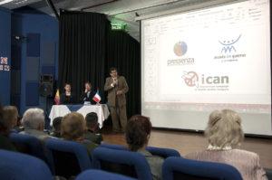Crisis económica y armas nucleares: tema de conversatorio en Quito