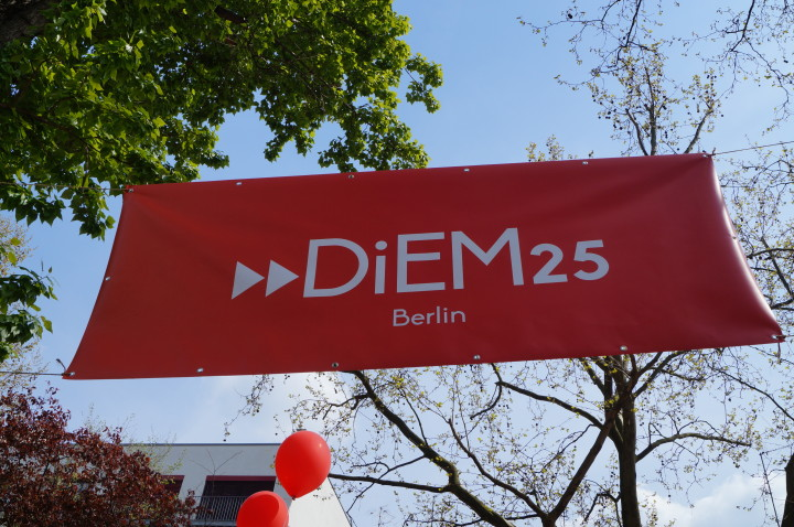 DiEM25 am MyFest in Berlin