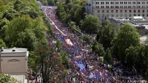 Polônia: 250 mil nas ruas contra o governo
