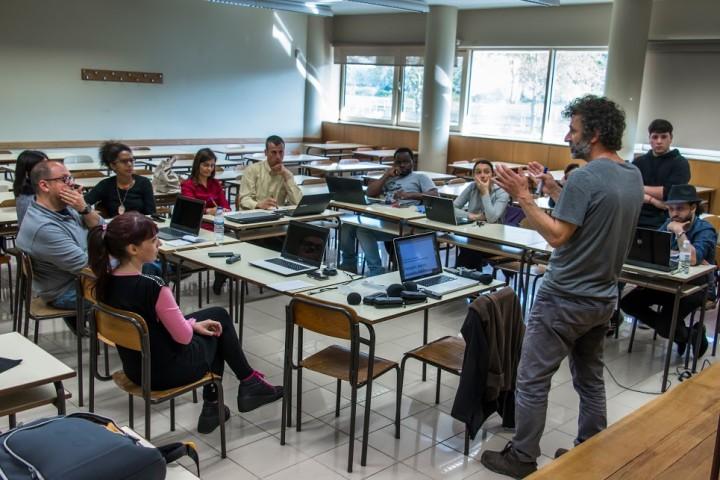 Oficinas de rádio comunitária no Porto