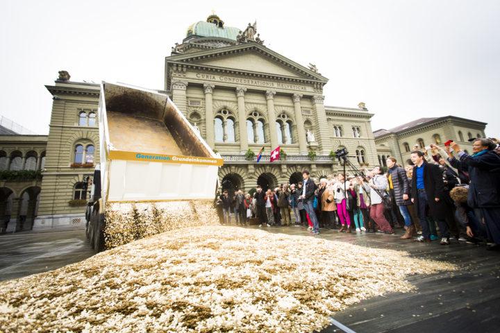 """Referéndum en Suiza: """"La renta básica requiere de un cambio de paradigma"""""""