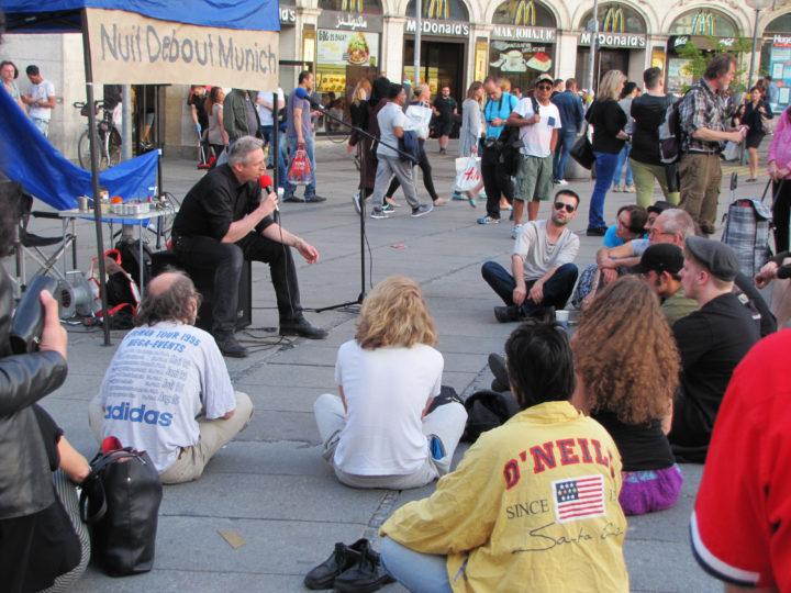 Dritte Nuit Debout in München – Solidarität mit Paris und gemeinsame Bewegung für eine menschlichere Gesellschaft