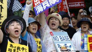 Milhares protestam contra presença militar dos EUA em Okinawa