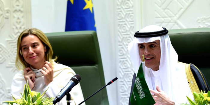 Mogherini e i sauditi: amore incondizionato nel silenzio assoluto