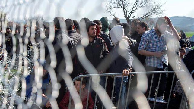 Human Rights Watch denuncia expulsiones «violentas» y «crueles» a los refugiados en Hungría