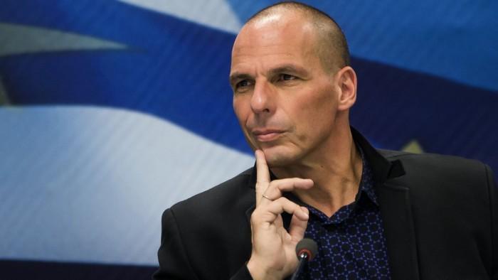 Yanis Varoufakis über die EU-Verfassung, wirtschaftlichen Zerfall und Orwellianismus