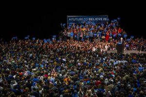 Bernie Sanders sostiene Hillary Clinton. E ora?
