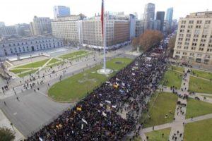 Levantamiento estudiantil en América Latina – Estudiantes chilenos protestan contra la reforma educacional de Bachelet