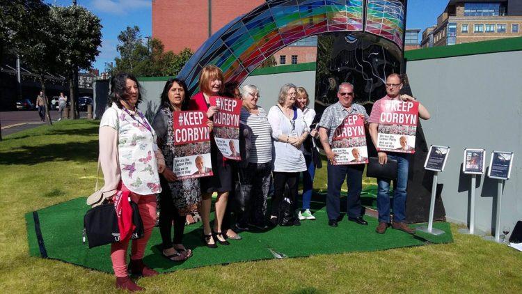 Un solo sfidante contro Corbyn nelle primarie del Partito Laburista