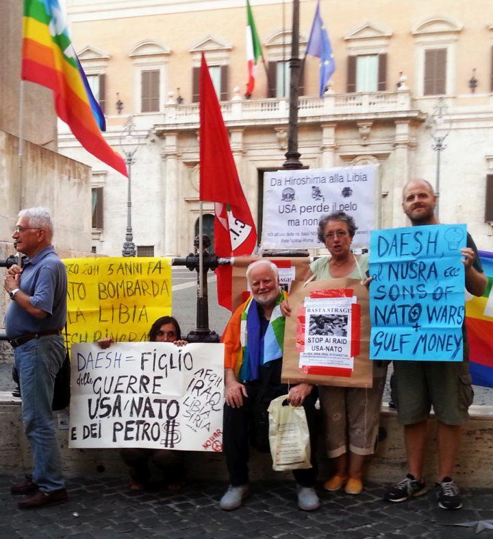 Rete NoWar e comunisti protestano per la Libia davanti al parlamento