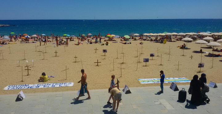 Acto de denuncia en Barcelona, por las muertes en el Mediterráneo