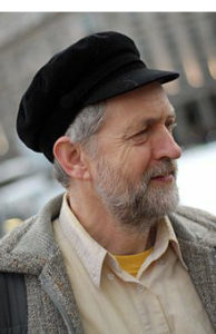 Jeremy Corbyn easily re-elected Labour Party leader