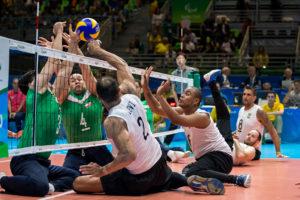 Atletas paralímpicos rejeitam rótulo de super-humanos e de exemplos de superação