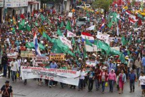 Campesinos paraguayos vuelven a movilizarse en protesta