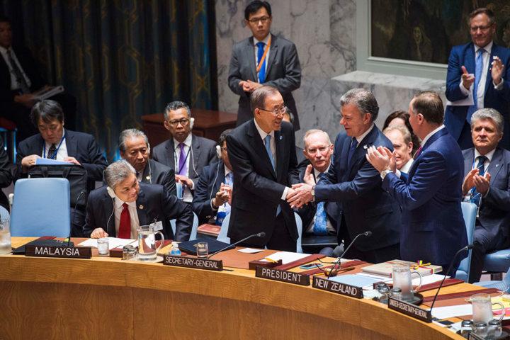 Presidente colombiano entrega acordo final de paz com FARC ao Conselho de Segurança da ONU
