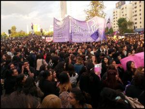Marche à Santiago du Chili : «Ni une de moins» (#niunamenos)