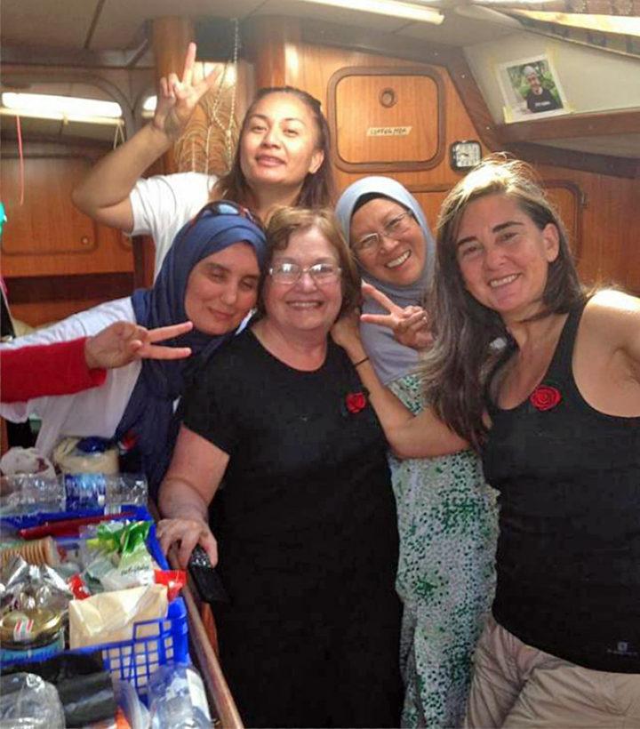 La flotilla Mujeres Rumbo a Gaza, cerca de destino y bajo amenaza de Israel