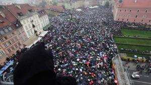 La protesta en la calle frustra el intento del Gobierno polaco de prohibir el aborto