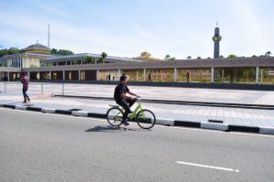 Brunei, primo giorno di stop al traffico nella capitale