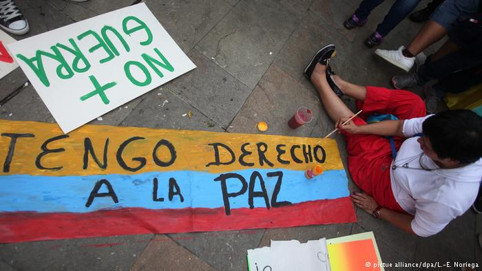 Senado da Colômbia ratifica acordo de paz com as Farc