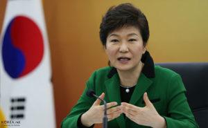 Hundreds of thousands of South Koreans demand president's resignation