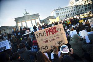 Demonstranten fordern in Berlin Rücktritt von Südkoreas Ministerpräsidentin Park