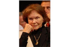 """[2005] Extrait d'un entretien avec Danielle Mitterrand, Présidente de """"France libertés"""""""