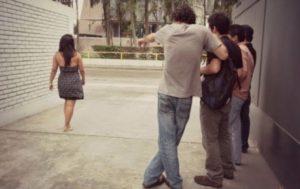En Buenos Aires se penará con multas y trabajos sociales el acoso sexual callejero