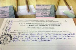 Denunciate matite cancellabili in diversi seggi