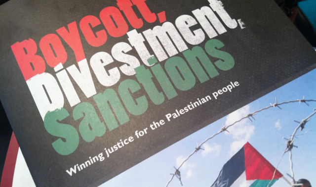 Duecento giuristi europei a sostegno del diritto di boicottare Israele per i diritti dei Palestinesi