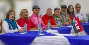 Delegados del Gobierno de Colombia y de guerrilla del ELN trabajan en Ecuador bases para el diálogo de paz