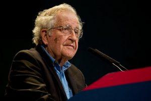 Trump à la Maison-Blanche : une interview de Noam Chomsky