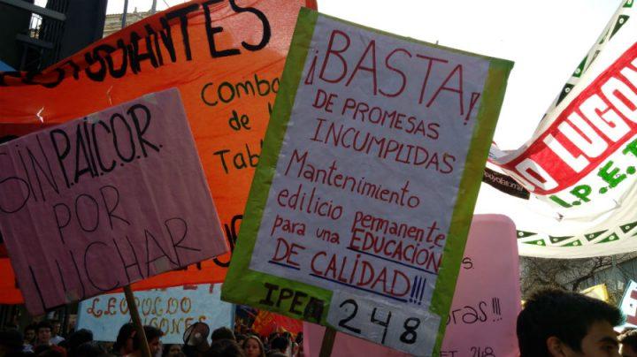 Por una educación garante de derechos: CLADE lanza documento sobre demandas de estudiantes secundaristas en América Latina y el Caribe