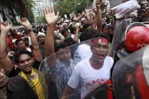 Crisis en Myanmar por enfrentamientos con grupo minoritario