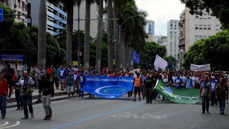 Rio: Ato em frente à Assembléia Legislativa marca início de protestos em 2017