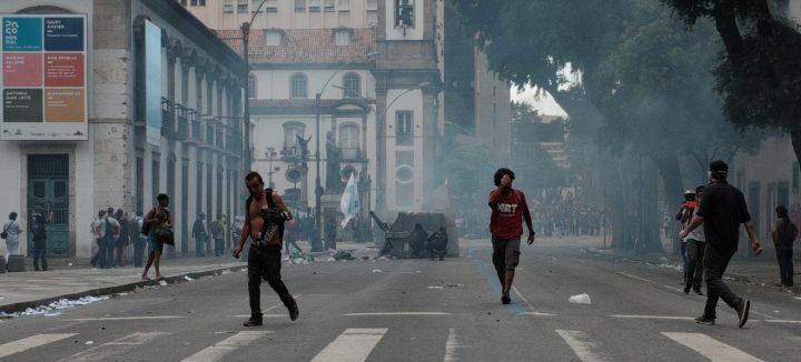 Se intensifican las protestas contra el plan de austeridad en Río de Janeiro