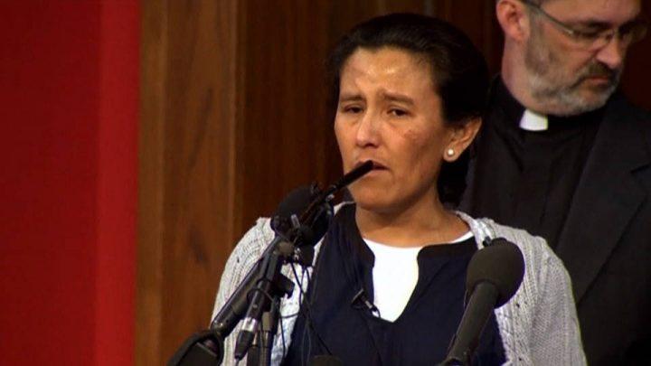 Madre senza documenti si rifugia in una chiesa di Denver, Colorado