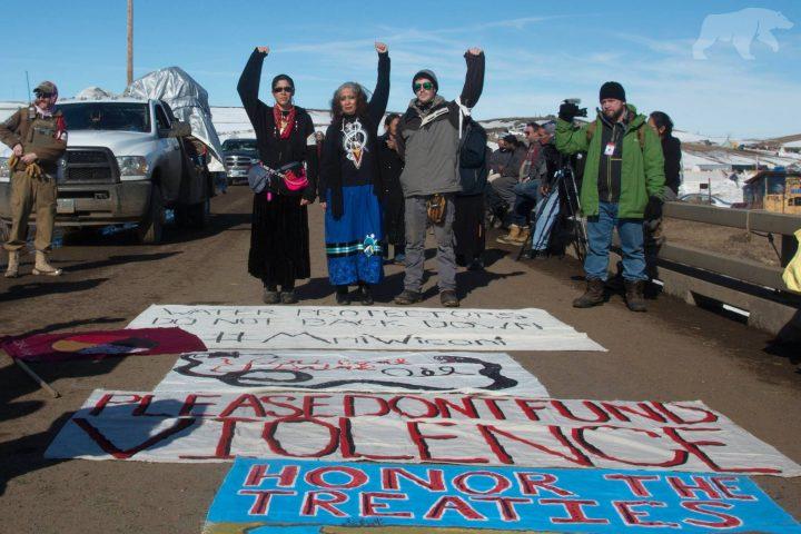 Il Governatore del North Dakota ordina lo sgombero di Standing Rock