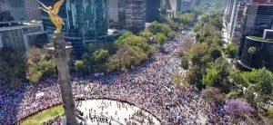 Mexicanos vão às ruas para protestar contra Trump e Peña Nieto