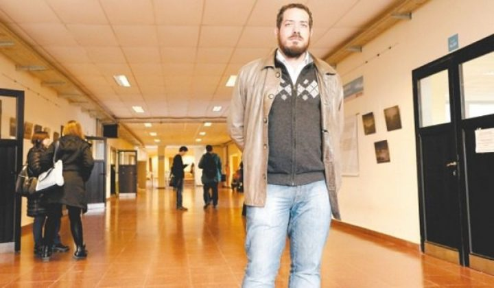 """Diego de Charras «Todos los meses hay una medida que beneficia al Grupo Clarín"""""""