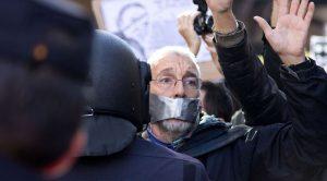 Spanien pulverisiert die Meinungs- und Versammlungsfreiheit