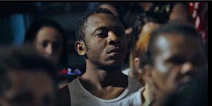 """Filme """"Era o Hotel Cambridge"""" mostra luta de brasileiros e refugiados por moradia"""