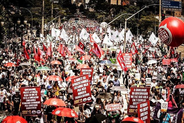 Movimientos y luchadores sociales de Argentina y Brasil al Pueblo del Ecuador