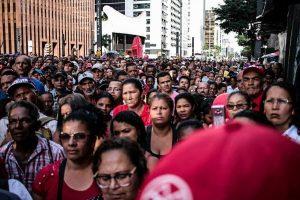 Por que o MTST está ocupando a Avenida Paulista?
