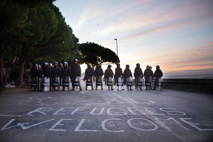 Ventimiglia, denunciati per aver dato cibo ai migranti