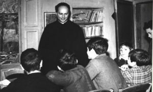Gesualdi: «Aproximémonos a don Milani respetando su espíritu»